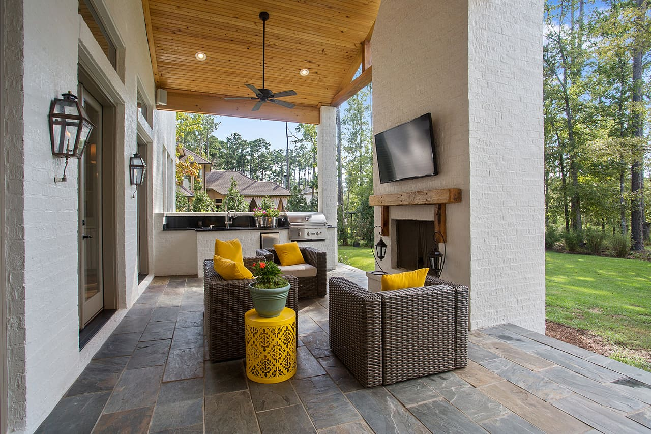 PD&D Luxury Home Design - Covered Lanai BAN-026